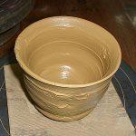 陶芸作りに挑戦 充実感あふれる作業